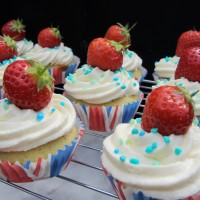 Jubilee Victoria Sponge Cupcakes