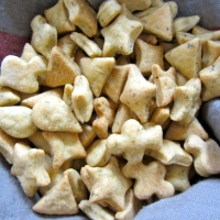 Dairy-free Cheesy Nibbles / Crackers
