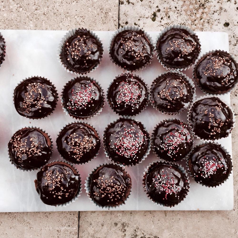 nut-free chocolate fudge cupcakes