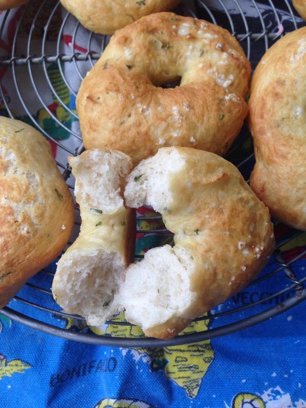 vegan chive bagels