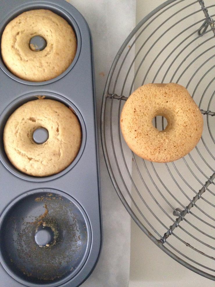baked doughnut rings, egg-free