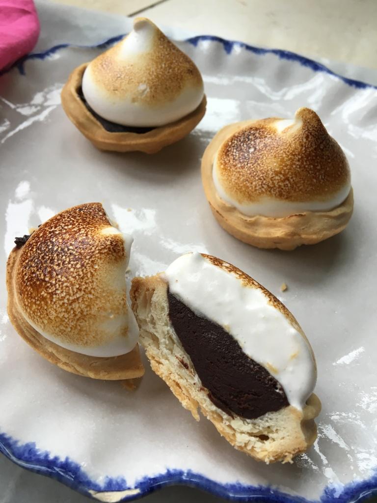 egg-free chocolate meringue pies