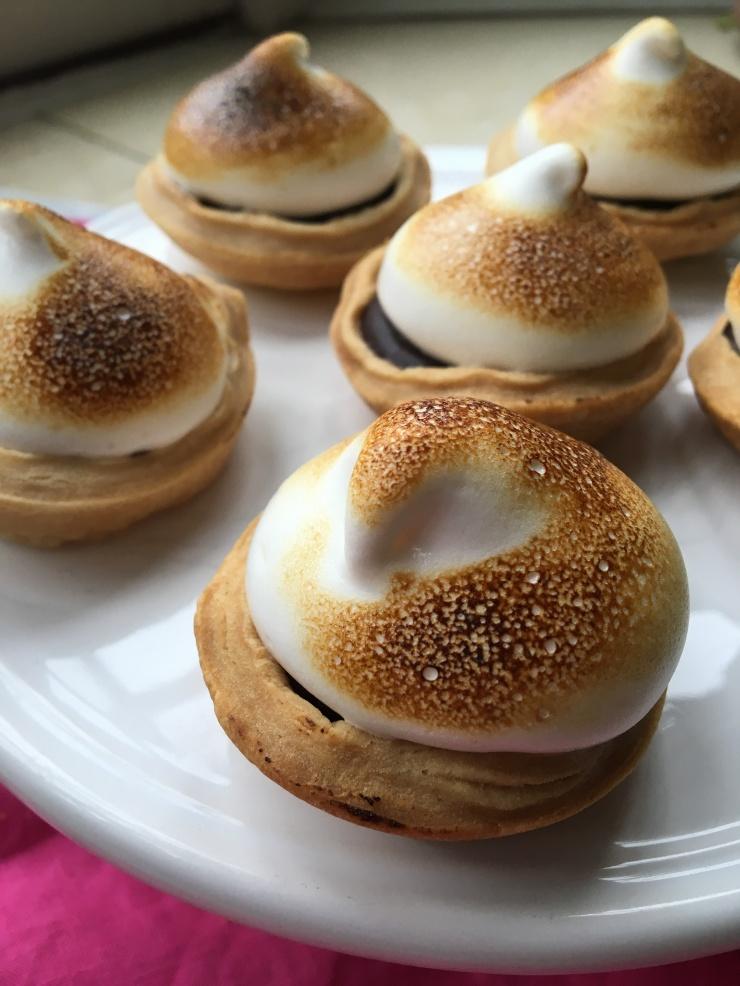 vegan chocolate meringue pies