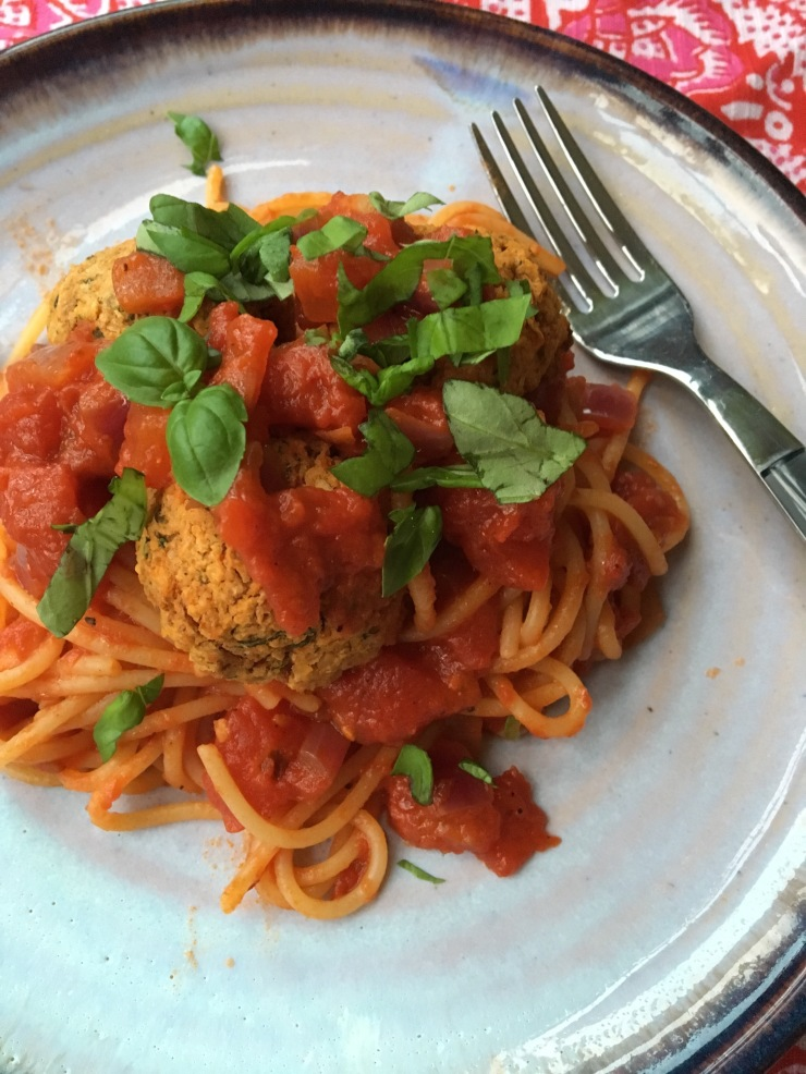 vegetarian spagetti and meatballs, egg-free