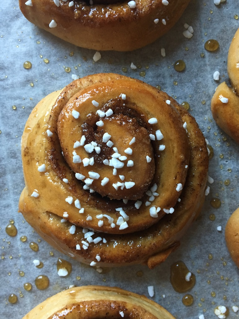gingerbread spiced swirl buns, dairy-free, egg-free